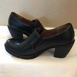 Born BOC Black shoes Size 7 1/2